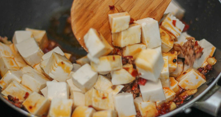 Mapo tofu cinaincucina la cucina cinese in italia for Piatti cinesi mangiati in italia