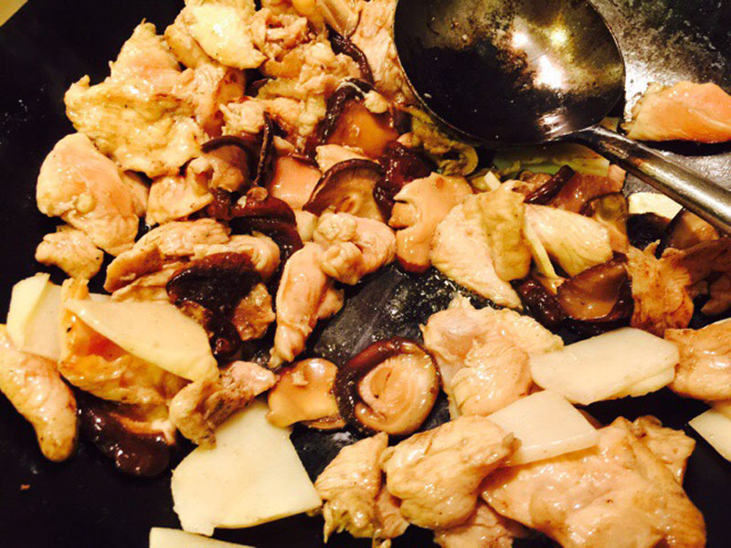 Pollo Funghi e Bambu - CINAINCUCINA - La Cucina Cinese in Italia